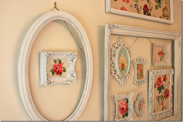 Use Empty Frames To Decorate Home | Ultimate Home Ideas